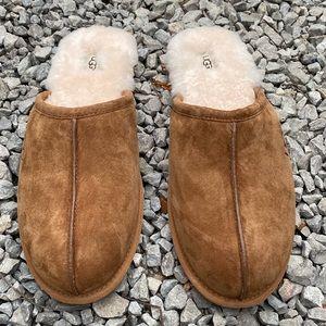 Ugg men scuff slippers men size  10&15 new chestnu